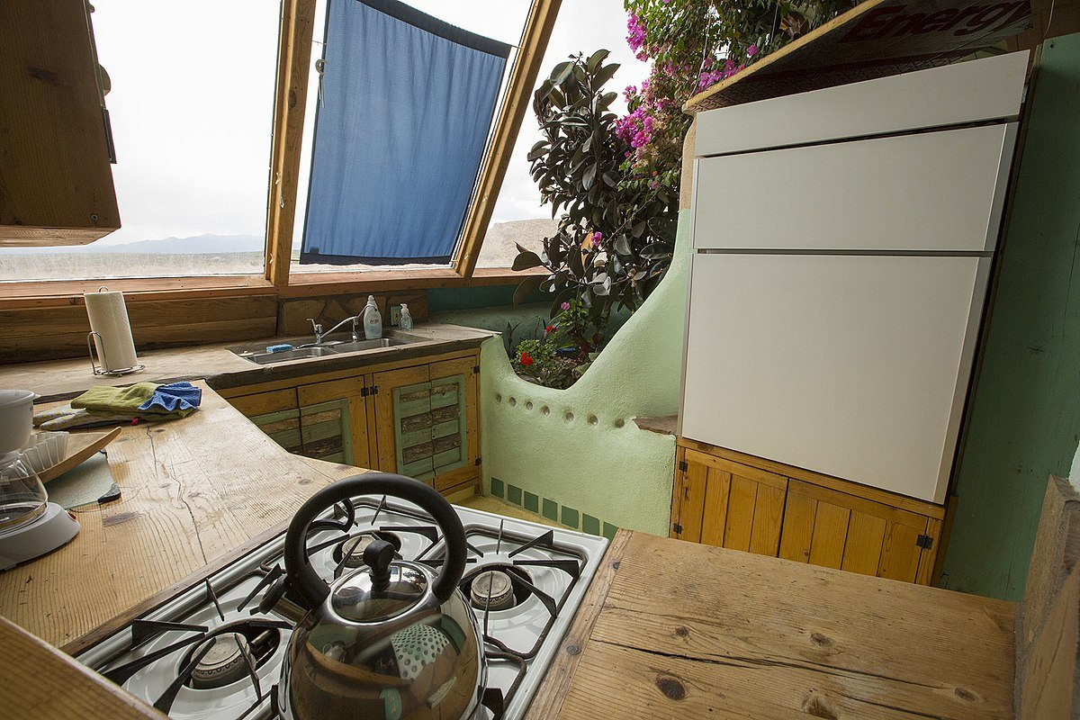 sustainable housing earthship